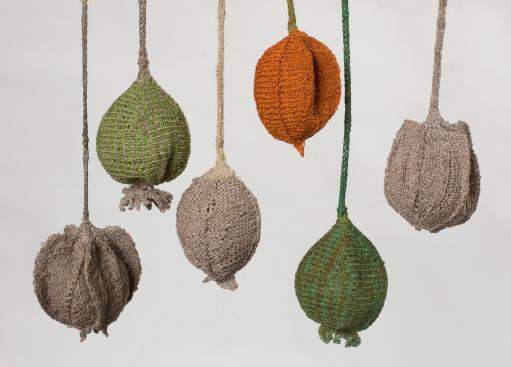 pods, hemp yarn