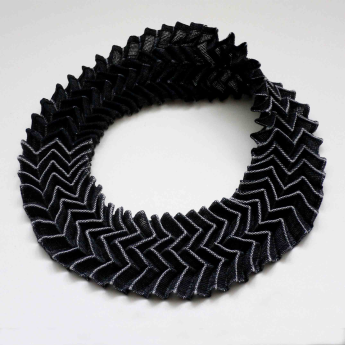 Moebius-neckpiece